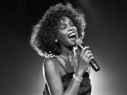 Whitney-Houston-Sing_400